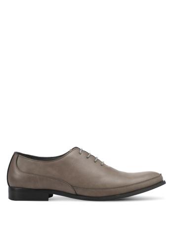 ZALORA brown Faux Leather Dress Shoes 4F84BSHC420584GS_1