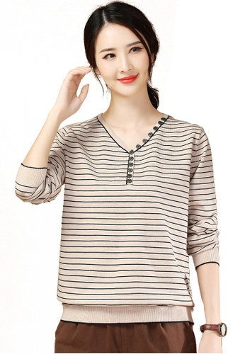 A-IN GIRLS beige Simple Striped V-Neck Sweater 06672AA9A345FFGS_1