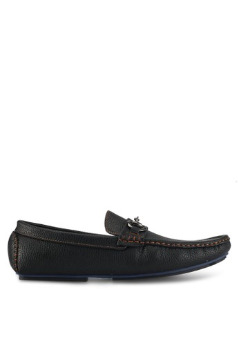 UniqTee black Pebbled Loafers With Strap Buckle E47FBSH859912DGS_1