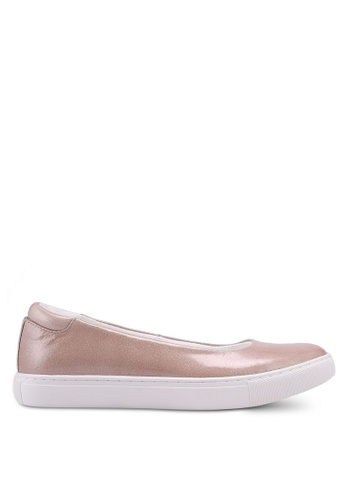 Kenneth Cole 米褐色 Kassie Slip Ons DDE2ESH9673F57GS_1