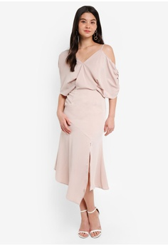 f34b9dcf3126 80% OFF Lavish Alice Asymmetric Off the Shoulder Dress S$ 152.90 NOW S$  29.90 Available in several sizes
