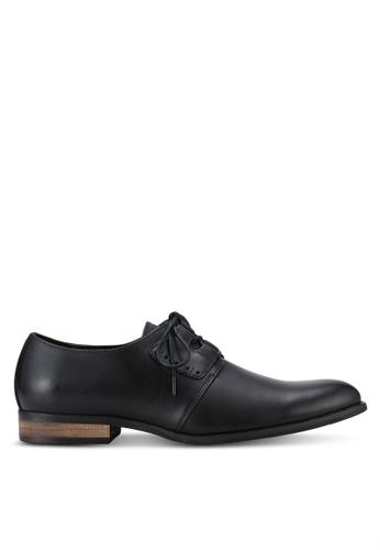 ZALORA black Contemporary Faux Leather Dress Shoes 768AFAAAE3F5E3GS_1