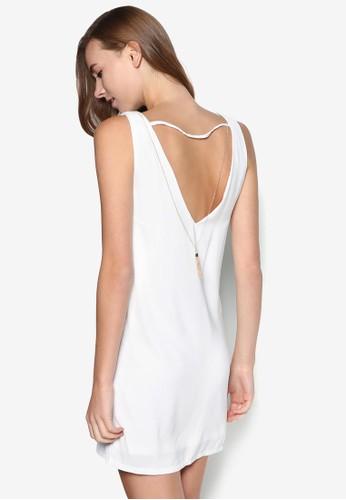 Vzalora是哪裡的牌子 背鏈飾連身裙, 服飾, 洋裝