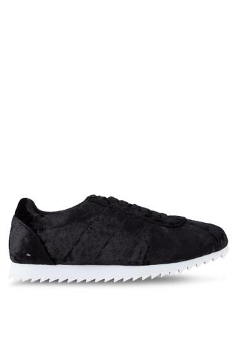 ZALORA 黑色 天鵝絨運動鞋 B4347SH82B7455GS_1