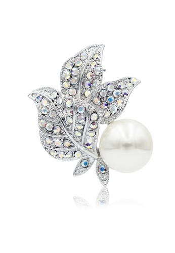 SO SEOUL white and silver Leilani Flower with Pearl Oversized Brooch DD57DAC5777C22GS_1