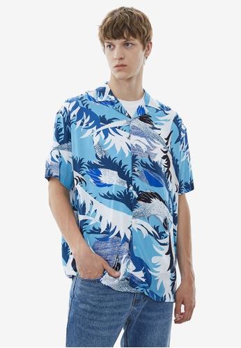 URBAN REVIVO blue Resort Shirt 433DDAA7AF4631GS_1