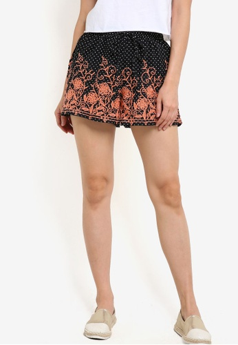 TOPSHOP black Embroidered Dotty Shorts TO412AA72VUPMY_1