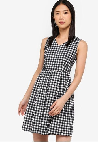 ZALORA BASICS black Basic V-Neck Fit And Flare Dress E75E8AA2FD628AGS_1