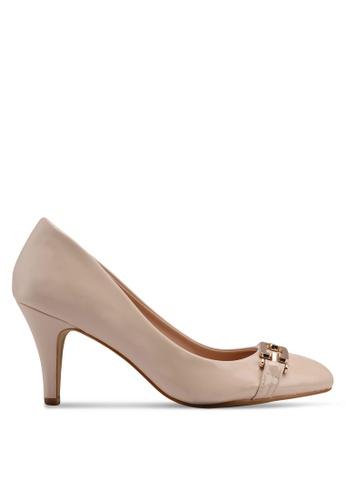 Carlton London beige Mid Heels With Chain Detail 7722FSHADAF622GS_1