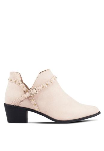 Miss Selfridge beige Della Stud Cut Out Boots MI665SH0RV28MY_1
