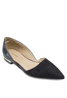 【ZALORA】 尖頭側空平底鞋