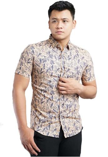 UA BOUTIQUE brown Short Sleeve Shirt Batik SSB117-081 (Brown) F48CFAAA702788GS_1