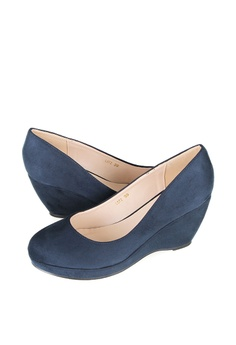 d6183cc832e8 46% OFF Tomaz Tomaz L072 Ladies Pump Wedges (Navy) RM 238.00 NOW RM 129.00  Available in several sizes