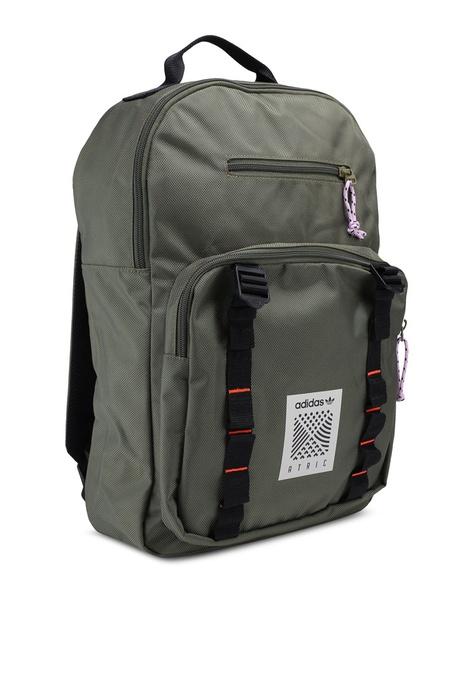 22a9b67b9946 Buy adidas Men Backpacks Online