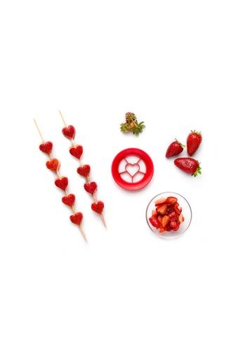 Peleg Sweet Heart Strawberry Cutter 309D1HL030FC3EGS_1