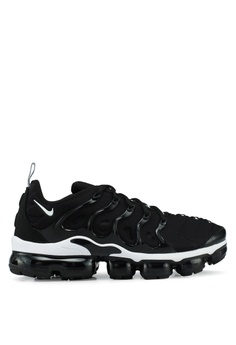 714253de8ab7 Nike black Air Vapormax Plus Shoes 96362SHE5C8FF9GS 1