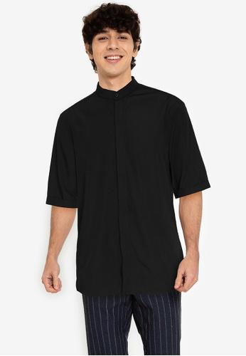 ZALORA BASICS black ¾ Sleeve Grandad Shirt AE208AADADD238GS_1