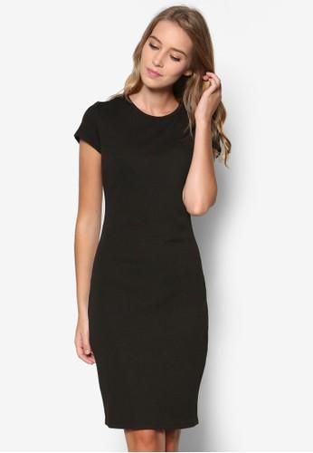 Essential 短袖貼身連身裙、 服飾、 洋裝ZALORAEssential短袖貼身連身裙最新折價
