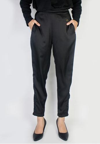 Zaryluq black Slim Button-Down Pants in Sable 502BEAA3D608D5GS_1