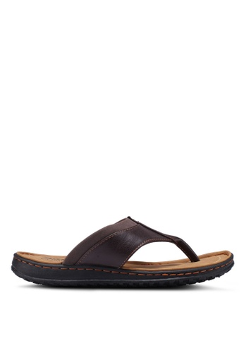 Bata brown Slide-On Flip Flops C01D7SH57CDF1CGS_1