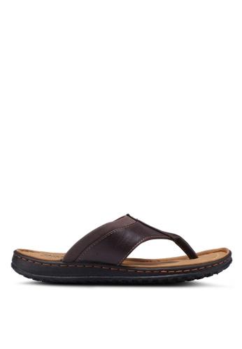 Bata brown Slide-On Flip Flops C01D7SH57CDF1CGS_1