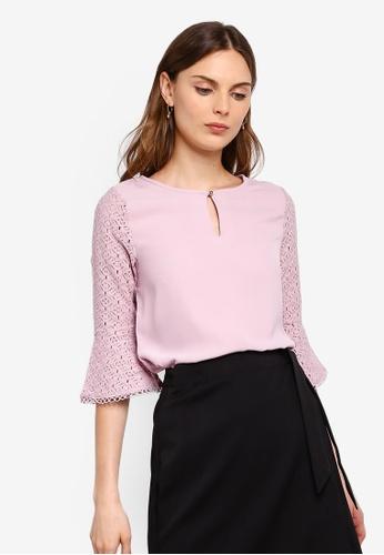 ZALORA 粉紅色 喇叭袖蕾絲上衣 7CEC6AA4CD5AD3GS_1
