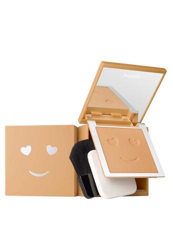 Benefit beige Hello Happy Velvet Powder Foundation Shade 06 BC986BEA97E365GS_1