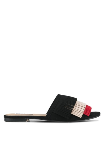 ZALORA 黑色 Tassel Flat Sandals 15487SHBA96548GS_1