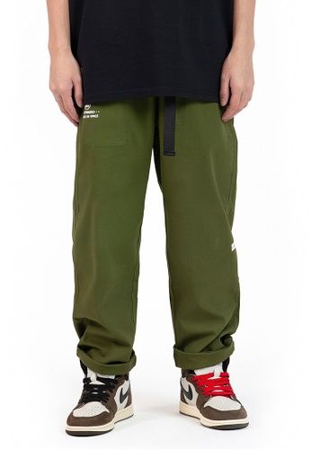 Reoparudo green IEEO IN SPACE @ RPD Luminous Prints Cargo Pants (Army Green) FDD1DAA90AF31EGS_1