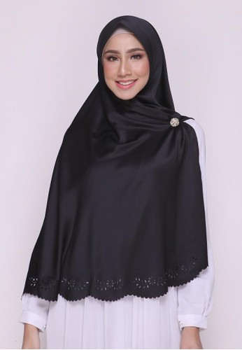 First Hijab black Saqina Khimar Instant In Black 44C0CAAD3BDE31GS_1