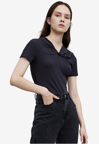 URBAN REVIVO grey Twisted T-Shirt 64959AA57698B4GS_1