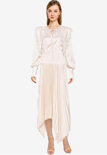 URBAN REVIVO beige Casual Dress 0BB5FAAC495F64GS_1