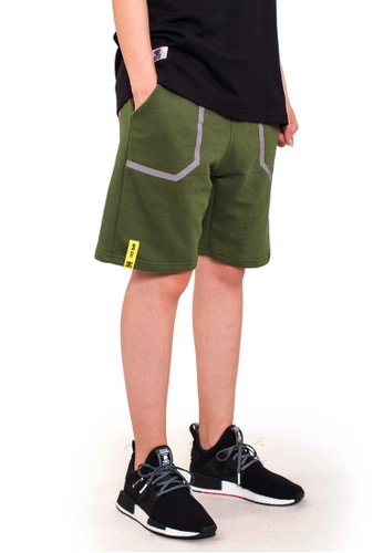 Reoparudo green RPD Reflective Pocket Sweat Shorts (Army Green) 8882EAA1FE1387GS_1