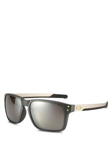 36bfd93ad5b Oakley OO9385 Sunglasses EC0F7GLBE692F6GS 1