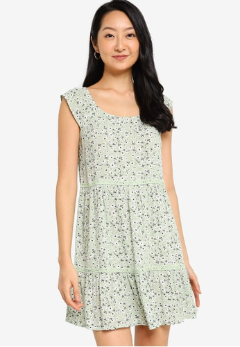 ZALORA BASICS green Lace Tiered Dress 8FE3FAA4A5BB31GS_1
