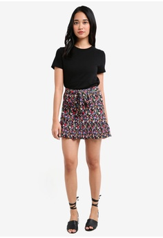 TOPSHOP Petite Floral Plisse Skirt HK$ 300.00. Sizes 4 6 8 10 12 · TOPSHOP  black Button Through Ribbed Mini Dress DA514AAB6912C5GS_1