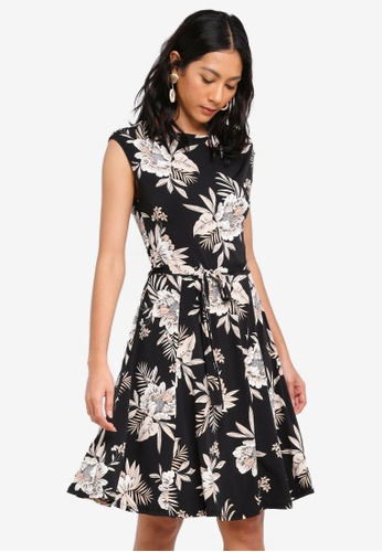 Wallis black Black Palm Print Fit And Flare Dress C7BEBAACA59C41GS_1