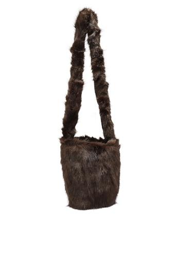 niko and ... brown Fur Bag B260FACCD34525GS_1