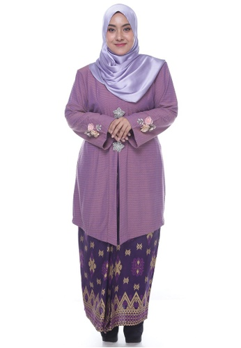 Nayli Plus Size Purple Kebaya Labuh from Nayli in Purple