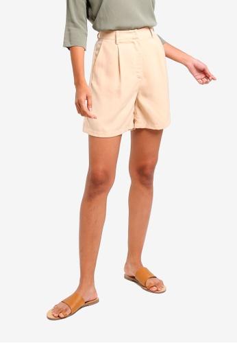 ZALORA BASICS beige Basic Bermuda Shorts 948FFAAB349E74GS_1