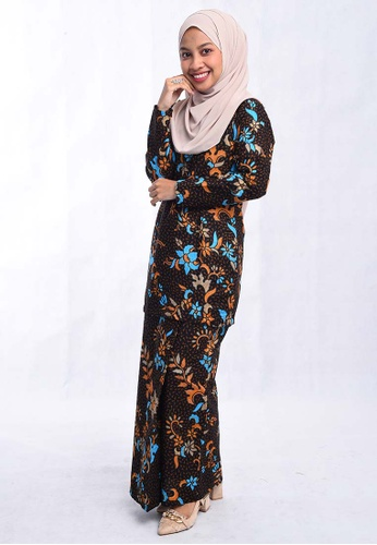 BATIK HOUSE KURUNG  MODEN BHKM01-041(BLUE/BLACK) from batik house my in Black and Blue