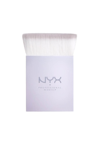 NYX Professional Makeup multi NYX Professional Makeup Holographic Halo Brush - Precision Highlighting E157ABEF610CECGS_1