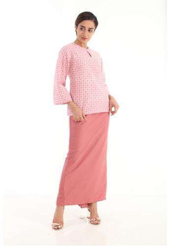 Amar Amran pink Kurung Kedah Batik Moden 036B1AAE17C607GS_1