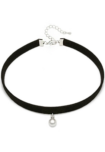 YOUNIQ black YOUNIQ-Basic Korean Pearl Choker (Black) YO999AC53NTAMY_1