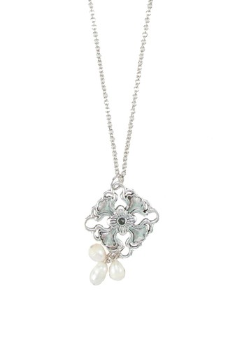 Embun zalora開箱雕花吊飾珍珠項鍊, 飾品配件, 項鍊