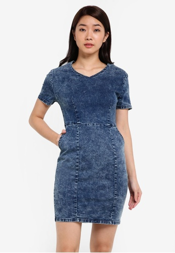 ZALORA blue V-Neck Bodycon Denim Dress A241EZZ83580B9GS_1