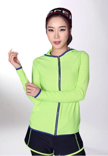 B-Code green ZYG5041-Lady Quick Drying Running Fitness Yoga Sports Jacket, Shorts and Leggings Three Pieces Set-Green 9ABDBAA14516B7GS_1