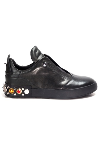 Shu Talk black Amaztep Rocky Studs Leather Sneakers 1D870SH45E3AB0GS_1