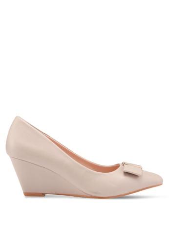Carlton London beige Wedge Heels EA051SHE7BD446GS_1