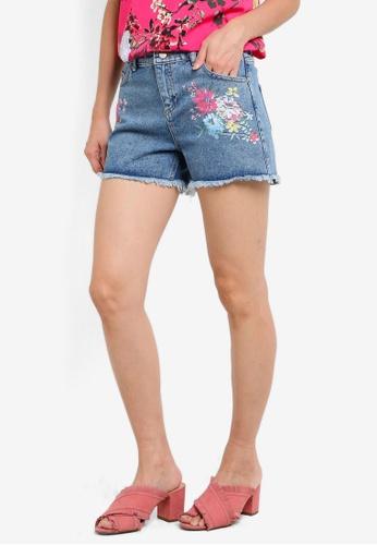 Dorothy Perkins blue Mid Wash Floral Print Shorts DO816AA63SZWMY_1